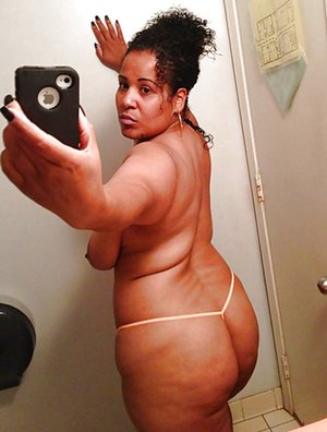 Selfpic Black Pictures